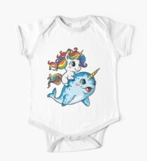 Unicorn Riding Narwhal T-Shirt Squad Mädchen Kinder Rainbow Unicorns Geschenke Party Baby Body Kurzarm