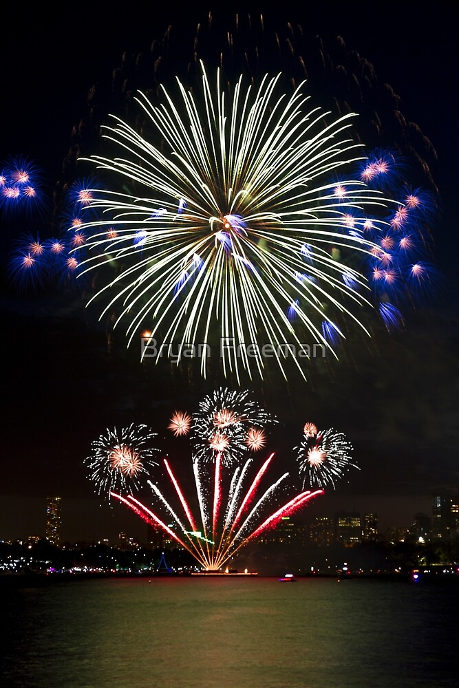 The Big Bang | New Years Eve | Sydney Harbour by Bryan Freeman