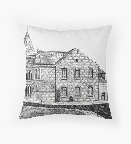 CAPEL BYCHAN, RHOSLLANERCHRUGOG Throw Pillow