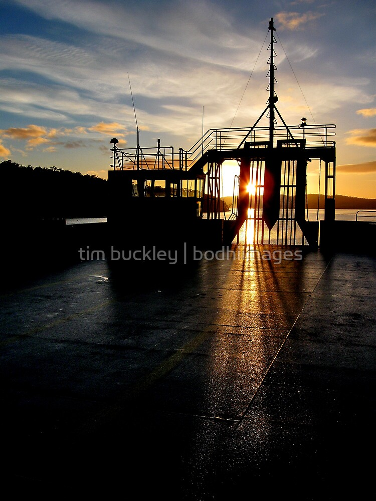 early ferry. kettering, tasmania. by tim buckley | bodhiimages