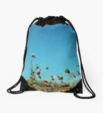 feel the warmth on your shoulders Drawstring Bag