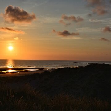 Sunset at Ynyslas Nature Reserve, Wales by mattwest
