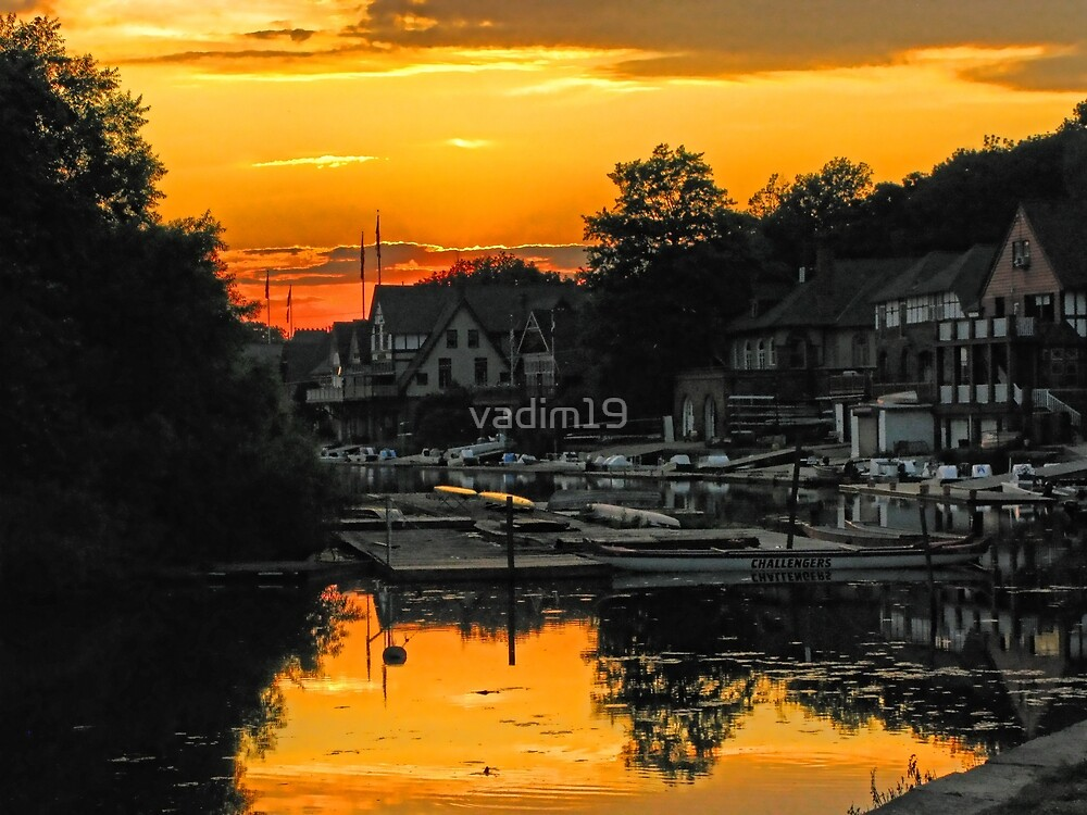 Boathouse Row In Yellow. Philadelphia, Pennsylvania by vadim19