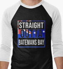 Straight Outta Batemans Bay Retro Style - Gift For An Australian From Batemans Bay in New South Wales , Design Has The Australia Flag Embedded Men's Baseball ¾ T-Shirt