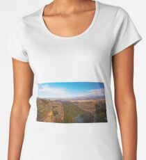 Hassans Walls Lookout, Lithgow, NSW Premium Scoop T-Shirt
