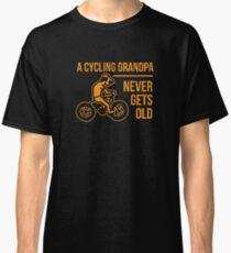Lustiges radfahrendes Großvater-Fahrrad fährt älteres Bürger-Hemd rad Classic T-Shirt