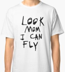 Look mom i can fly Classic T-Shirt