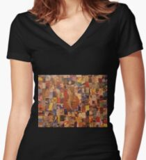 dada Women's Fitted V-Neck T-Shirt
