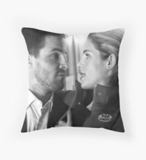 oliver and felicity Throw Pillow
