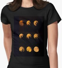 Red blood waning moon Women's Fitted T-Shirt