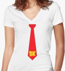 DK Tie - Donkey Kong Tie T-Shirt Women's Fitted V-Neck T-Shirt
