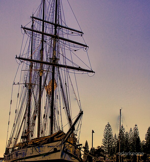 Tall Ship by odarkeone