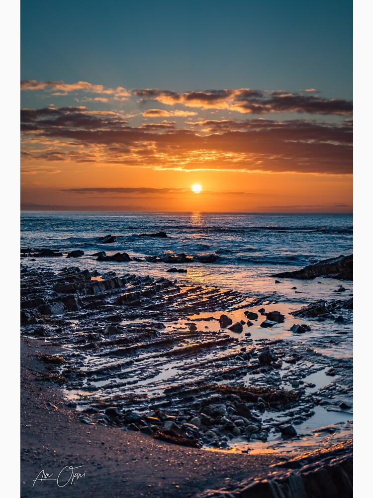 Sunrise over the ocean by aiinojani