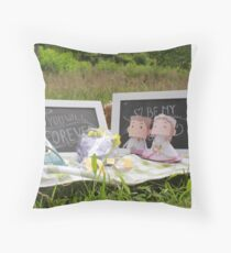picnik bride Throw Pillow