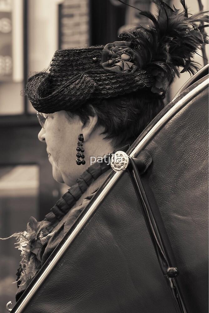 A well dressed lady by patjila