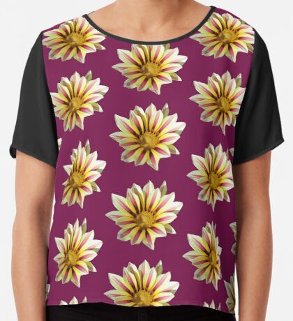 zauberhafte Blume in den Farben gelb und violett Chiffontop