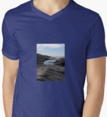 ROCKPOOL Men's V-Neck T-Shirt