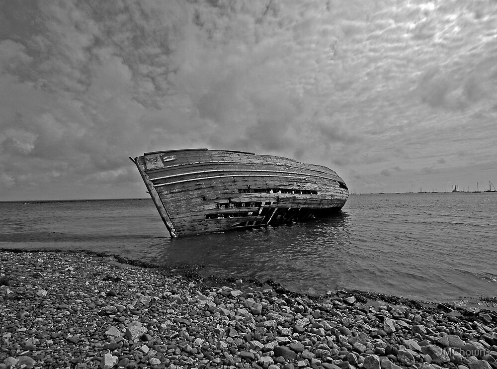 Marooned boat at Roa by JMChown