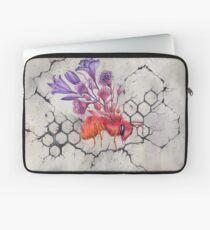 Bee on Concrete, Watercolor Painting Laptop Sleeve