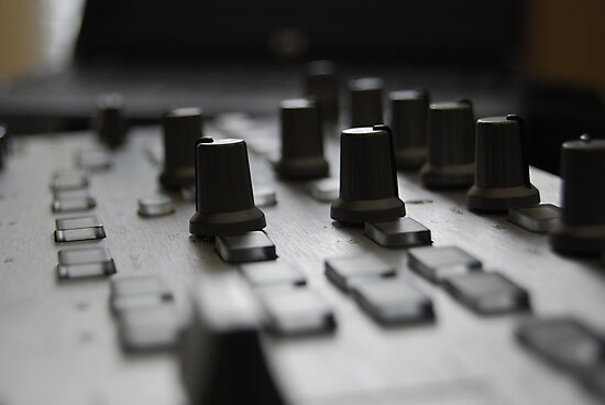 Hercules Rmx DJ Controller by jkoncepz