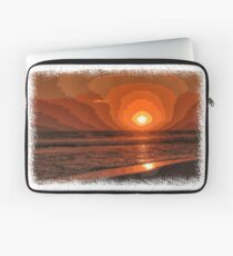 PIXEL SUNSET by the sea Laptop Sleeve