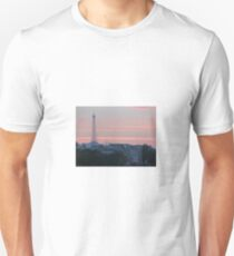 sunset eiffel tower Unisex T-Shirt