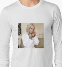 jeffree star sipping tea Long Sleeve T-Shirt