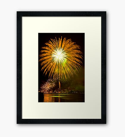Single Sunflower Supernova - Sydney Harbour - New Years Eve - Midnight Fireworks  Framed Print