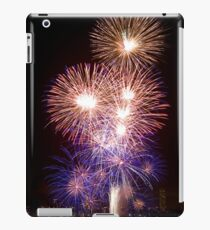 The First Bang - Sydney Harbour - New Years Eve - Midnight Fireworks iPad Case/Skin