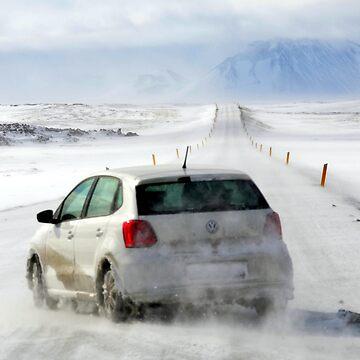 Icelandic Open Road with Car by johandahlberg
