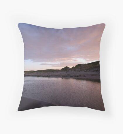 Dawn at Himitangi Beach Throw Pillow