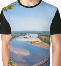 Rio Tejo. Santarém. Graphic T-Shirt