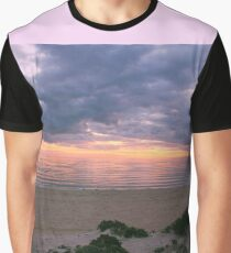 Simple Winter Sunset in Melbourne, Victoria Graphic T-Shirt