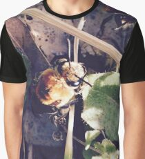Little Bee Graphic T-Shirt
