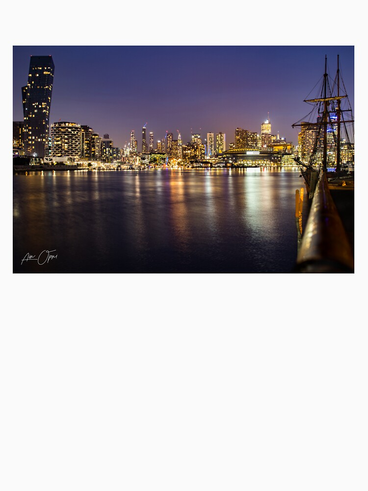 Docklands night by aiinojani