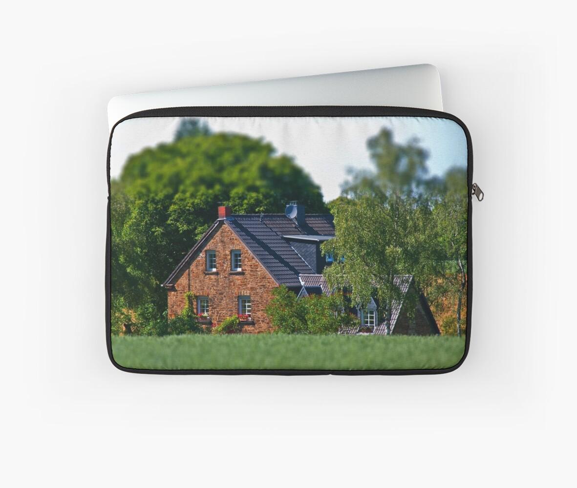 Little House by Denise Abé