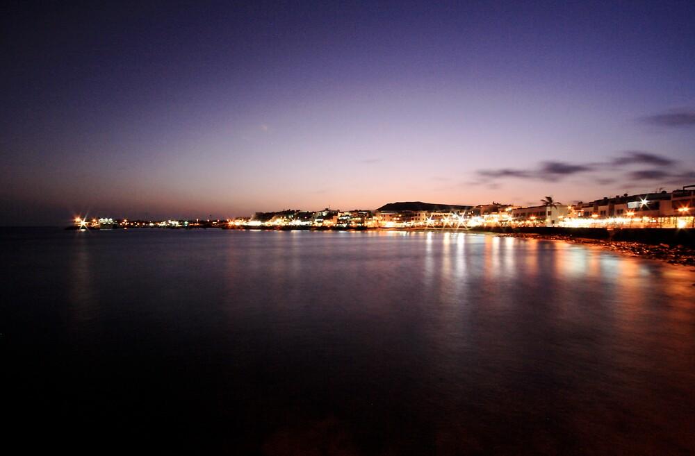 Sunset over the bay by Daniel Davison