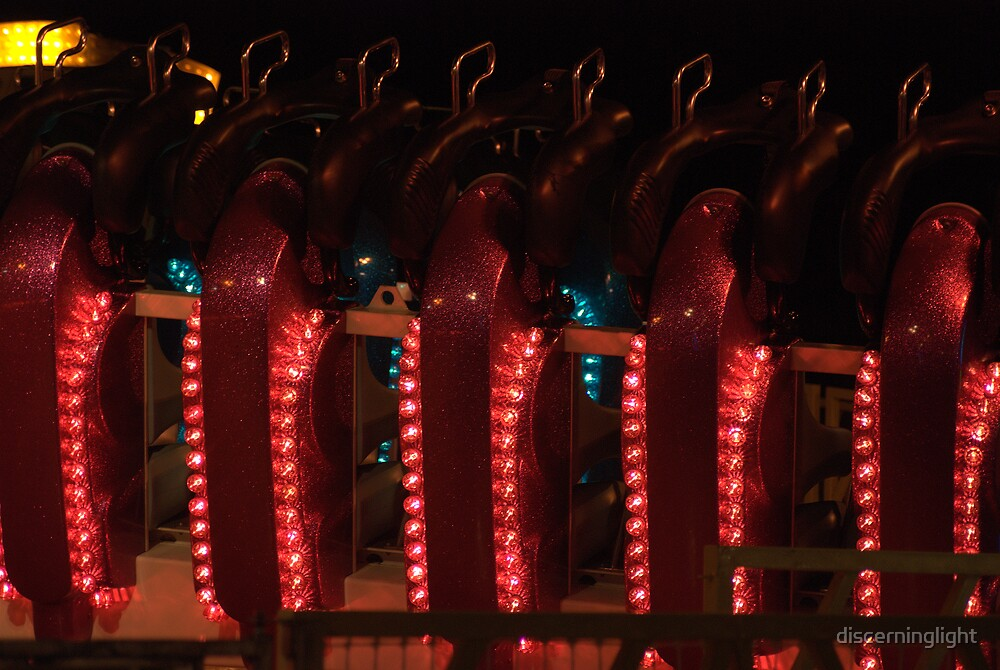 Red Repetition by discerninglight