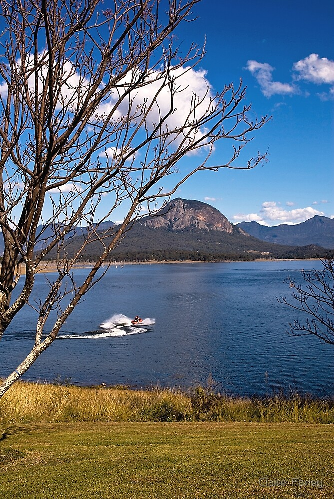 Lake Moogerah by Claire  Farley