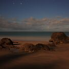 Etty Bay by moonlight by Ron  Wilson