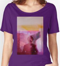 Analoge Filmdoppelbelichtung der Porträtfrauen-Fantasie Loose Fit T-Shirt