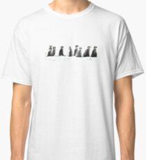 Pinguinküken in einer Linie Classic T-Shirt