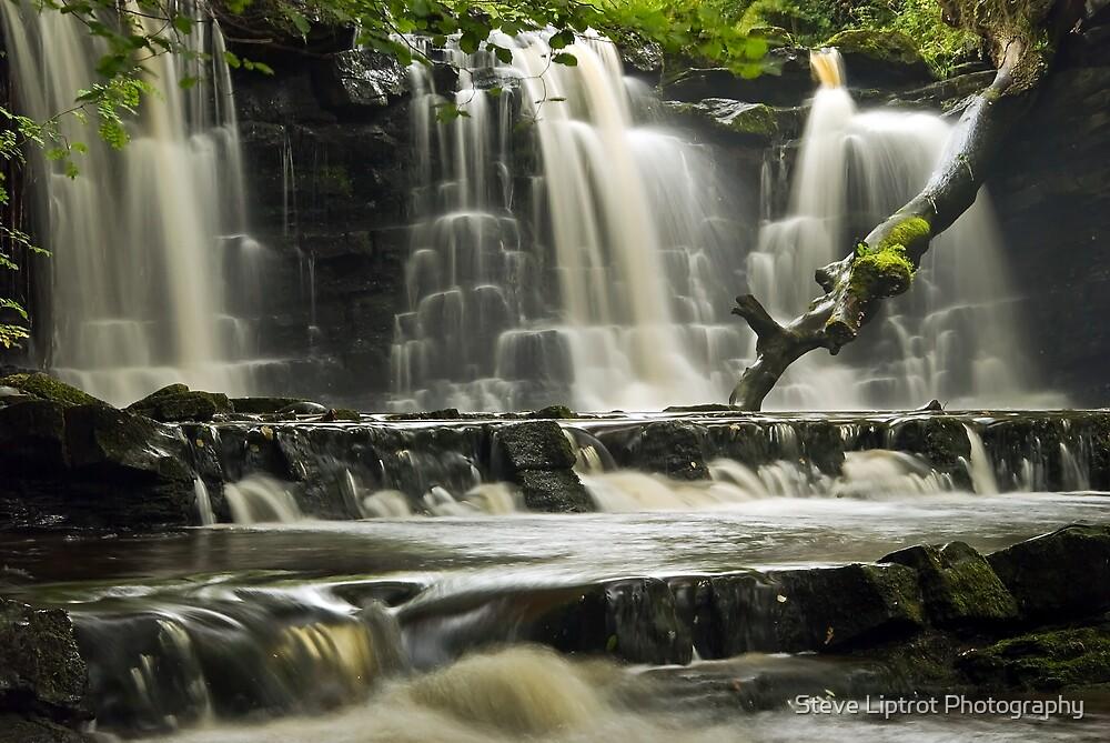 Scarloom Waterfall, Holden, Lancashire by Stephen Liptrot