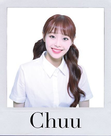 Chuu Polaroid  by hannahloveridge