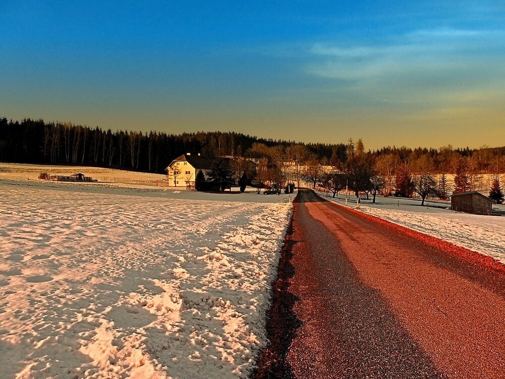 Country road through winter wonderland | landscape photography by Patrick Jobst