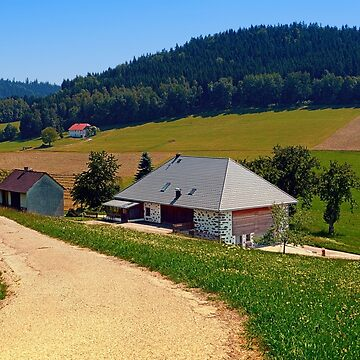 Hiking trail, farm house and scenery | landscape photography by patrickjobst