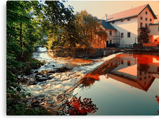 The river, a country house and reflections | waterscape photography by Patrick Jobst