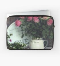 Old roses Laptop Sleeve