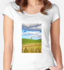 Single tree Fitted Scoop T-Shirt