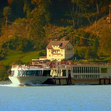 Cruise ship on the river Danube | waterscape photography by patrickjobst